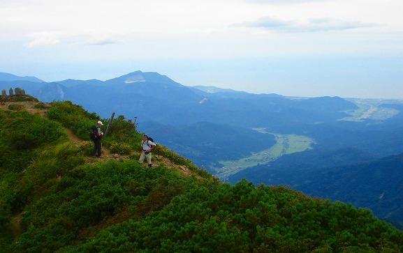 <2009年8月27~28日>フォッサマグナの名峰「雨飾山」(信越国境・頚城)_c0119160_674549.jpg