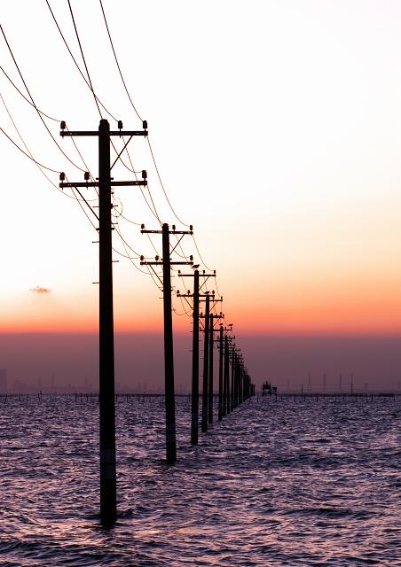 電柱と海_f0018464_2037729.jpg
