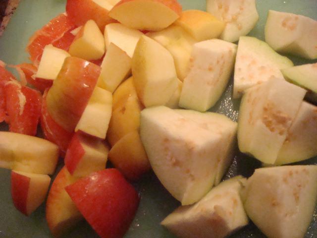 田舎からの野菜が並んだ朝食、_d0100880_2356310.jpg