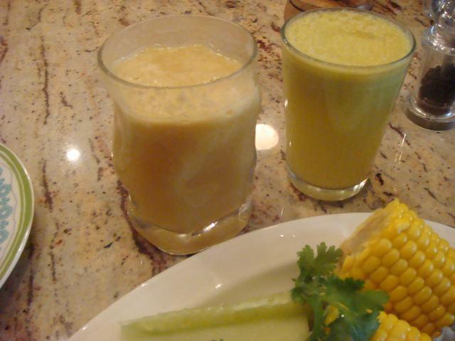 田舎からの野菜が並んだ朝食、_d0100880_2357241.jpg