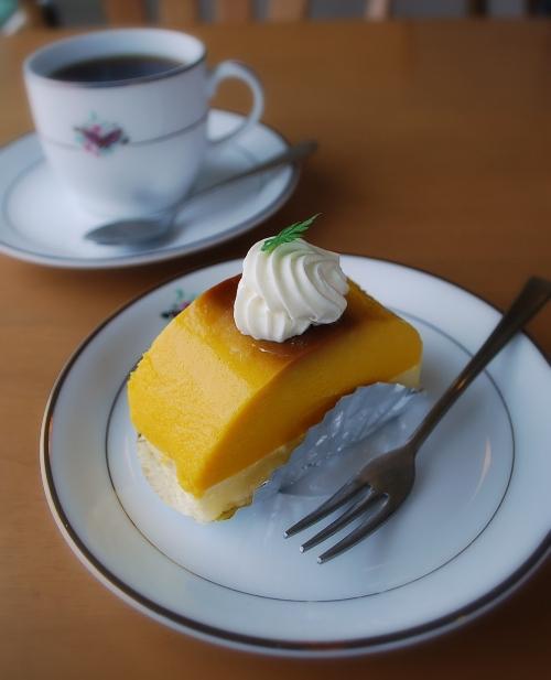 ラ・ポムベールのかぼちゃのプリン_c0177814_104450100.jpg