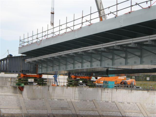 橋が架かる、ドキュメント、その3_e0077638_12365976.jpg