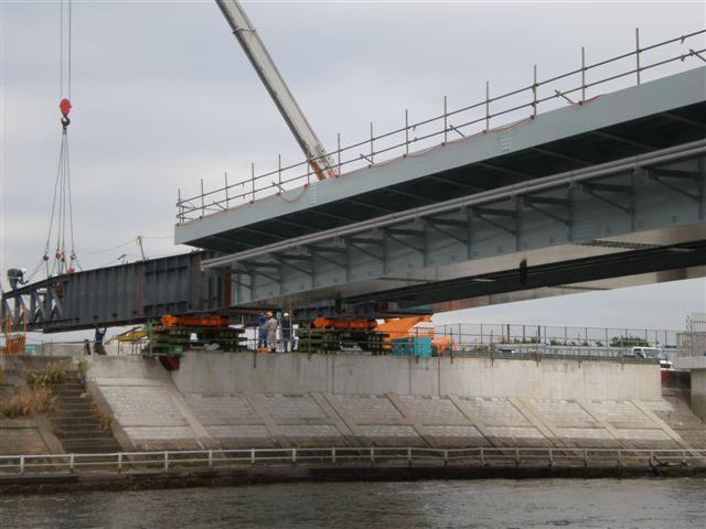 橋が架かる、ドキュメント、その3_e0077638_12385474.jpg
