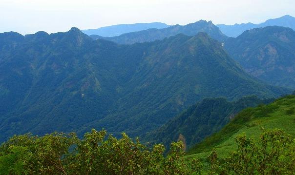 <2009年8月27~28日>フォッサマグナの名峰「雨飾山」(信越国境・頚城)_c0119160_028435.jpg