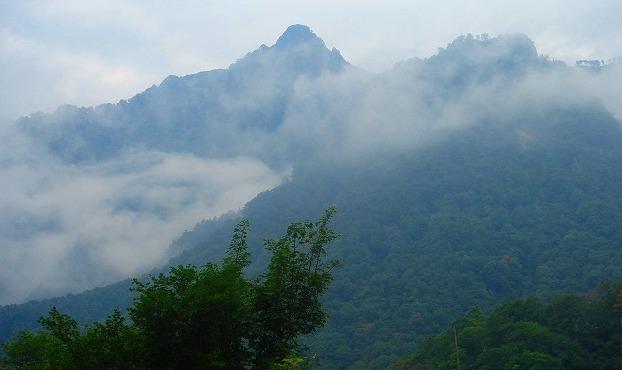 <2009年8月27~28日>フォッサマグナの名峰「雨飾山」(信越国境・頚城)_c0119160_0451696.jpg