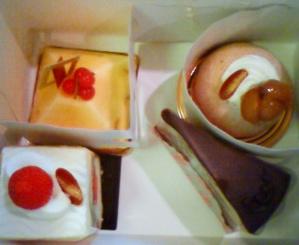 2009.9.10   新しいケーキ屋さん_a0083571_0203062.jpg