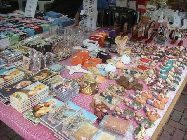 今日から、リトルイタリーのお祭り、聖ジェンナーロ祭り、_d0100880_10512913.jpg