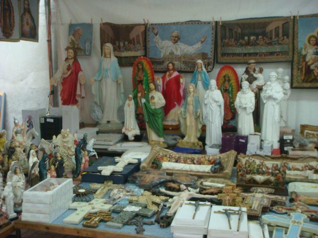 今日から、リトルイタリーのお祭り、聖ジェンナーロ祭り、_d0100880_1052487.jpg