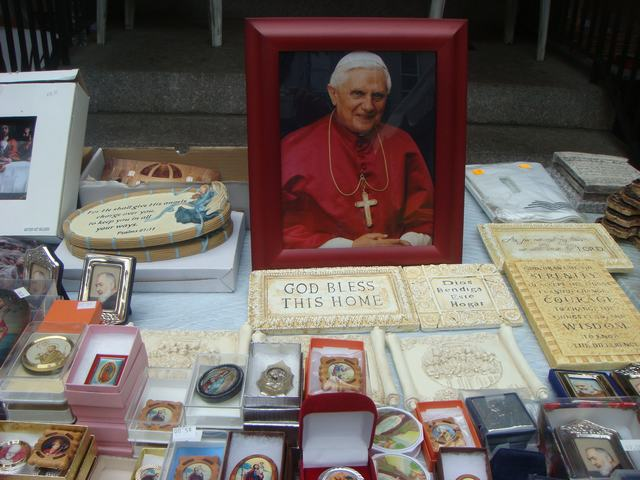 今日から、リトルイタリーのお祭り、聖ジェンナーロ祭り、_d0100880_1055985.jpg