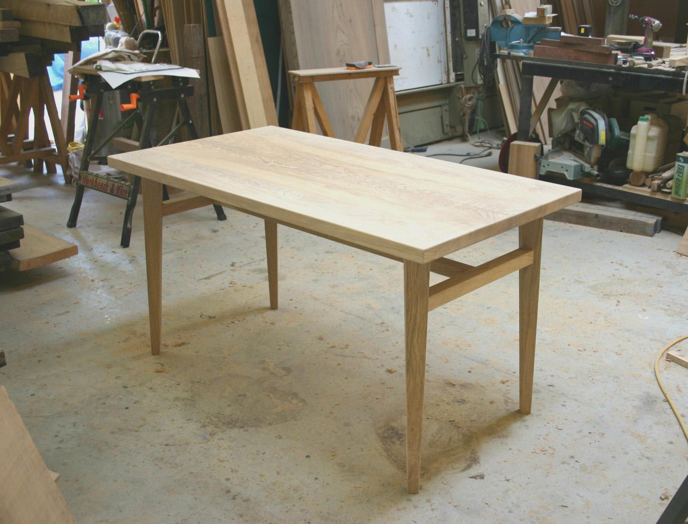 ダイニングテーブル 塗装前_f0171785_13572770.jpg