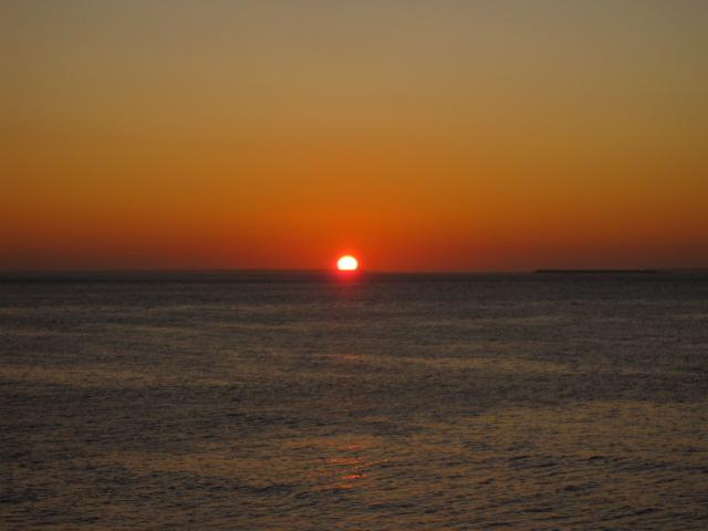 出張13日目 陽はまた昇る@納沙布岬_b0042308_6413283.jpg