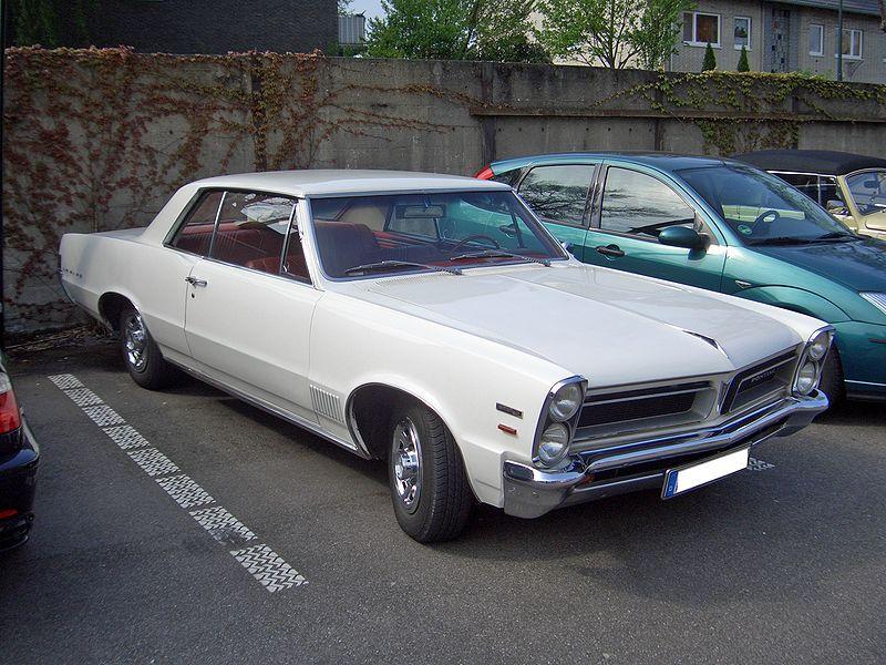 昔の車_e0173239_16275258.jpg
