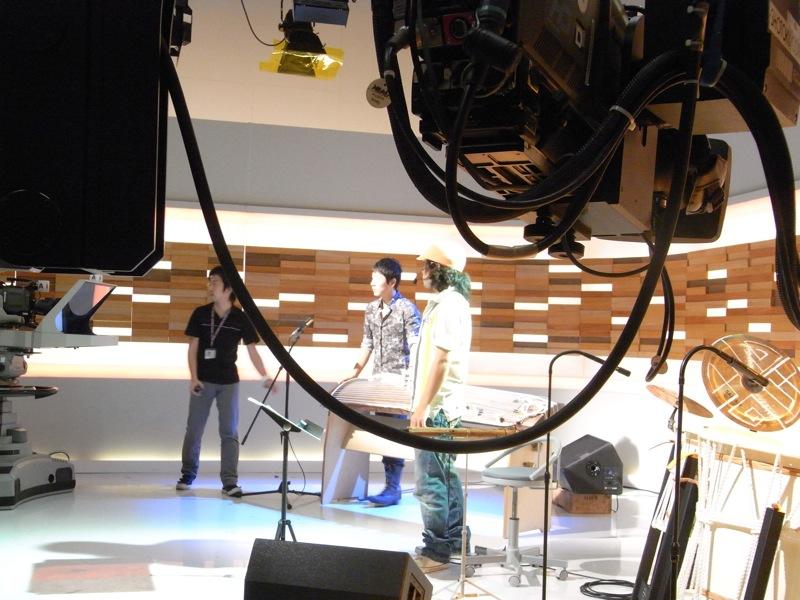 NHK総合テレビ「こんにちは いっと 6けん 」出演!_c0173978_111196.jpg