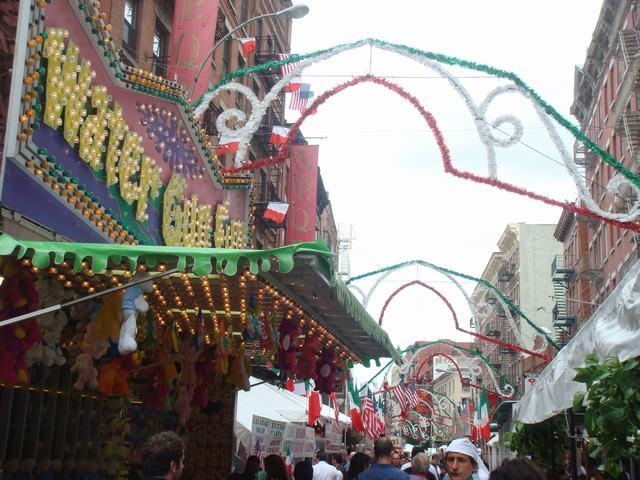 聖ジェンナーロ祭りの続き、_d0100880_3511092.jpg
