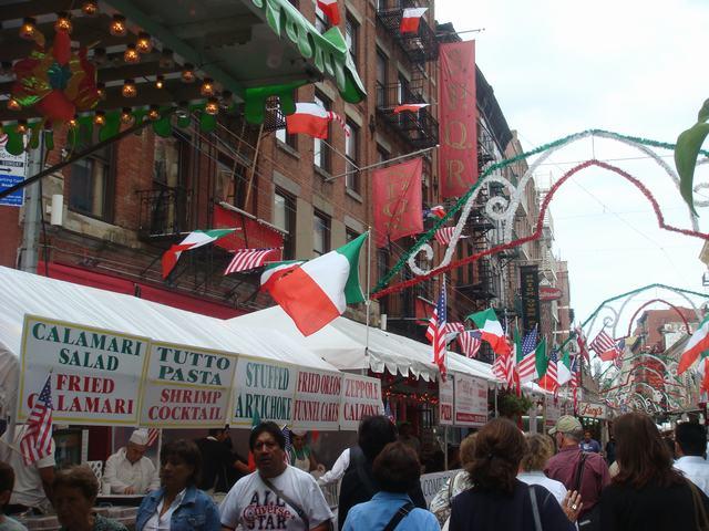 聖ジェンナーロ祭りの続き、_d0100880_3521542.jpg