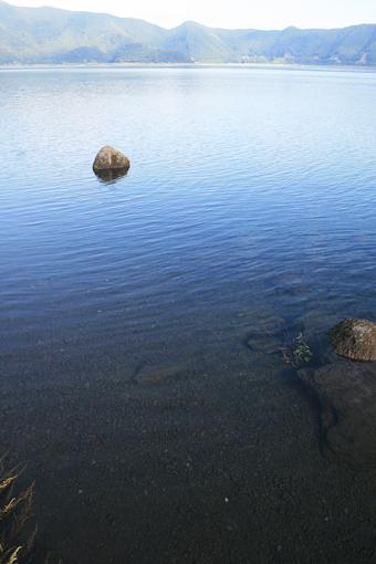 本栖湖のしずかな夜明け_c0107829_915121.jpg