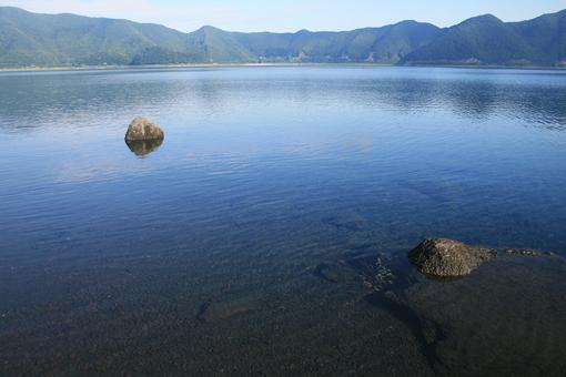 本栖湖のしずかな夜明け_c0107829_915715.jpg