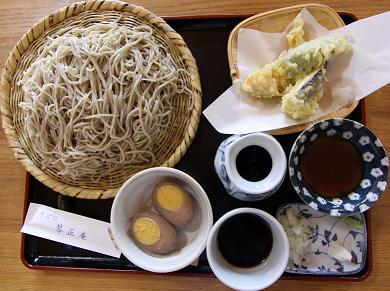 野菜天ぷら100円・煮卵80円       川島・琴正庵_a0107574_7494323.jpg