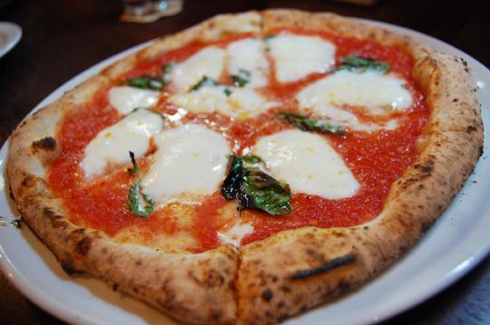 ナポリピッツァが食べたくなったら_a0115906_14475013.jpg