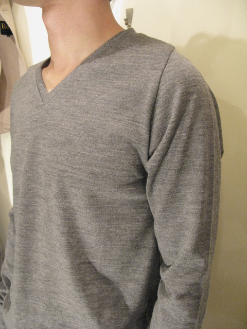『NEW COLOR』 Wool Semi Raglan Sleeve V-Neck _e0142928_204324.jpg