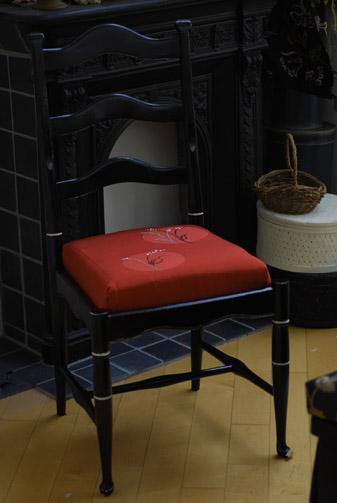 椅子をリメイク_f0179528_0554275.jpg