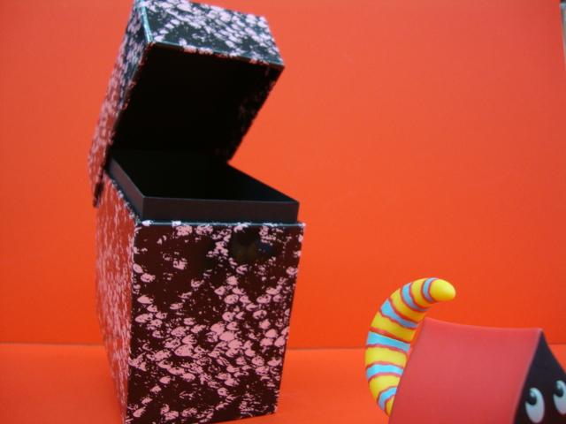 ガラガラヘビの箱(堺筋店より)_e0191344_12361082.jpg