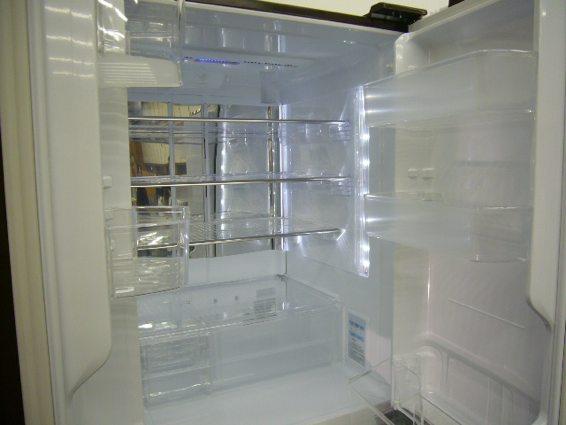 シャープの冷蔵庫_a0116902_22141578.jpg