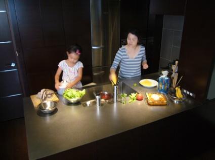 キッチンは光箱_a0116902_22212745.jpg