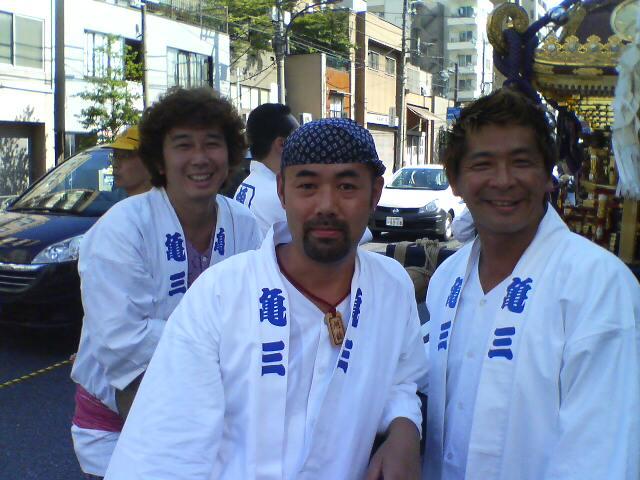牛島神社のお祭り_b0162386_1302240.jpg