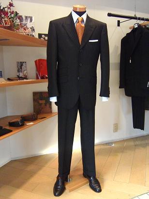 """""""ザ・婚活スーツ"""" うまくいくかな少子化対策&20年やってるよ編_c0177259_2272467.jpg"""
