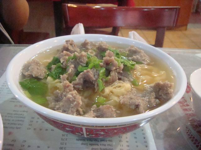 チャイナタウンのおやつは魚のだんごスープ、_d0100880_1134391.jpg