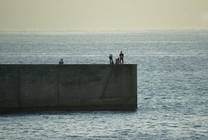 出来島海岸の夕日 (趣味人間)_a0136293_15473883.jpg