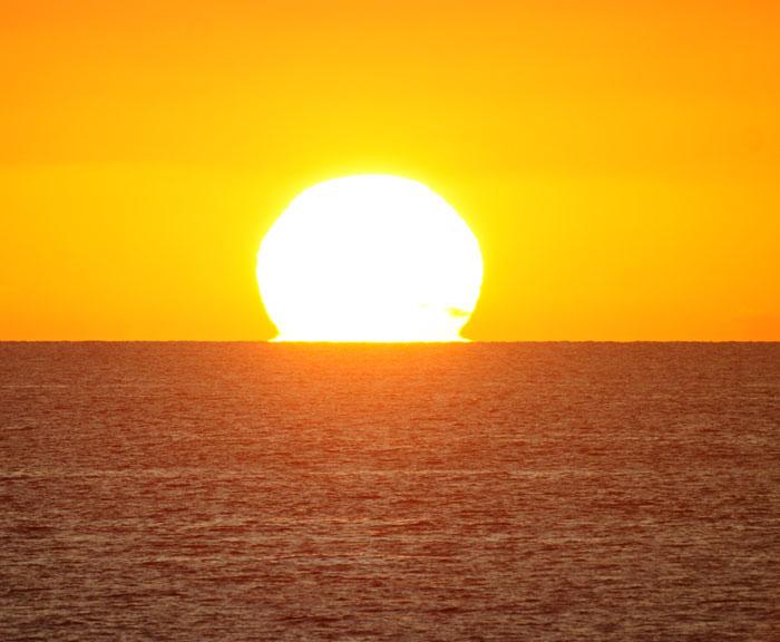 出来島海岸の夕日 (趣味人間)_a0136293_15545933.jpg
