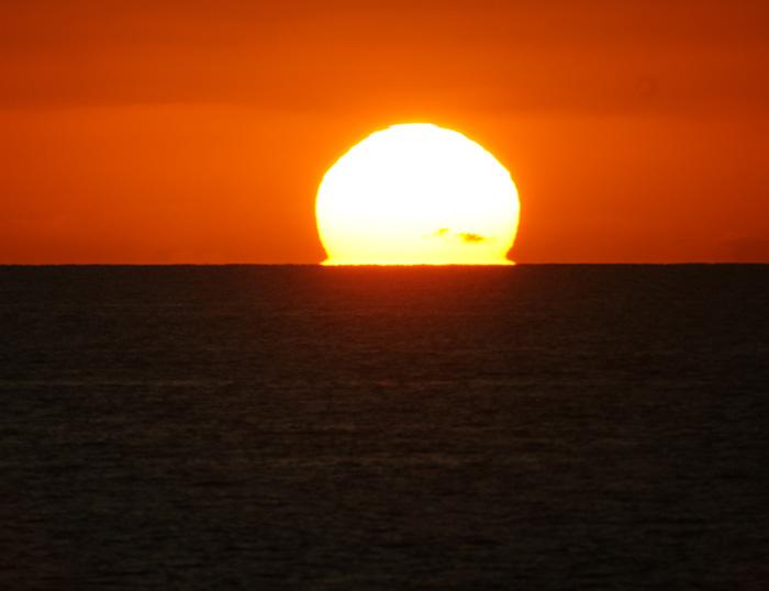 出来島海岸の夕日 (趣味人間)_a0136293_15552254.jpg