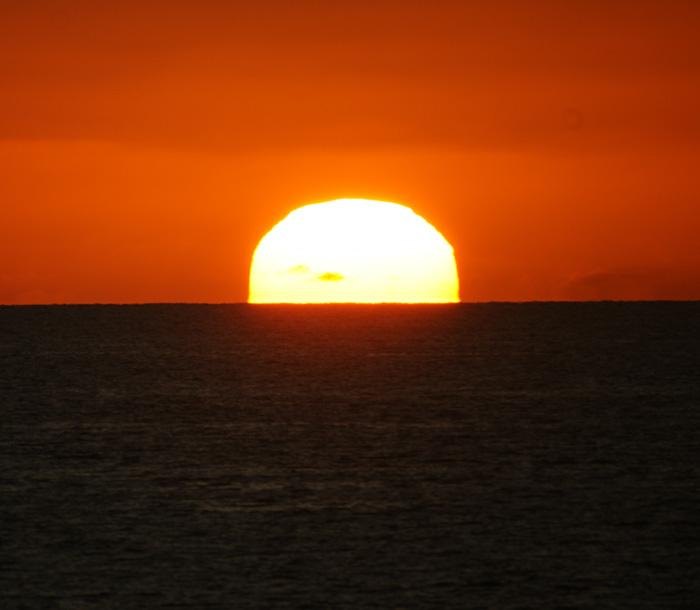 出来島海岸の夕日 (趣味人間)_a0136293_15565058.jpg