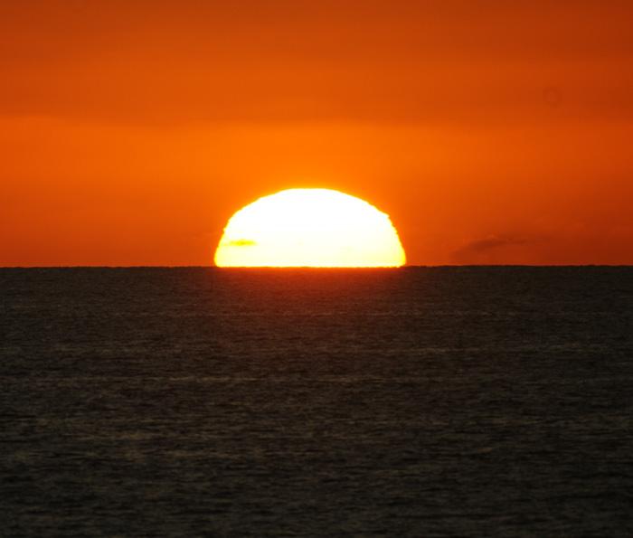 出来島海岸の夕日 (趣味人間)_a0136293_1557594.jpg