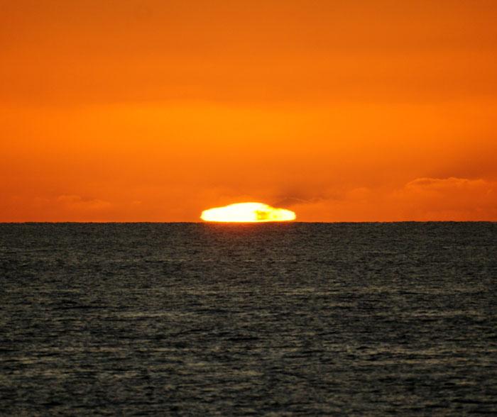 出来島海岸の夕日 (趣味人間)_a0136293_15582487.jpg