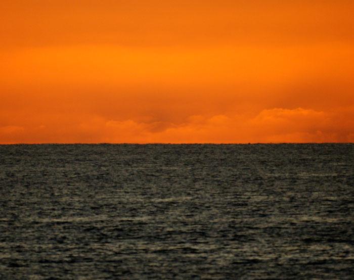 出来島海岸の夕日 (趣味人間)_a0136293_160026.jpg