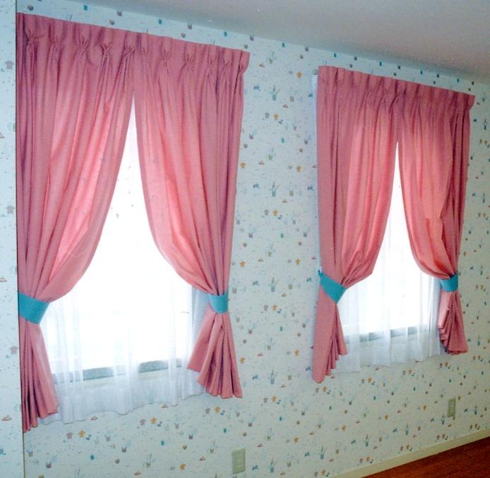 子供部屋のカーテン『ゴブレットプリーツ』_c0157866_20191117.jpg