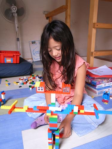 レゴとユキちゃん_f0106597_136519.jpg