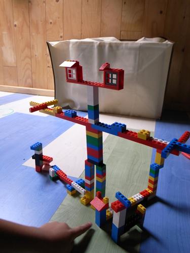 レゴとユキちゃん_f0106597_1421397.jpg