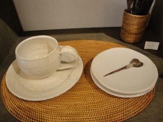 手作り陶器の展示始めました。_e0166301_146632.jpg