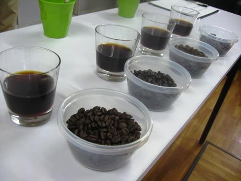 利きコーヒー&パナマゲイシャを楽しむ会「ユナイトコーヒー」_b0140235_0513133.jpg