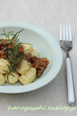 「野菜がおいしい」 じゃが芋のニョッキ 茄子とハーブのソース。_b0165178_5431359.jpg