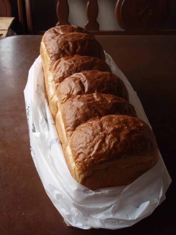 うわさのパン_f0128542_9291152.jpg