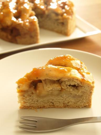 卵、バター不使用で簡単!りんごとバナナのケーキ_d0128268_16571427.jpg