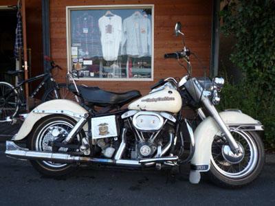 本日のバイク!!_f0194657_18485141.jpg