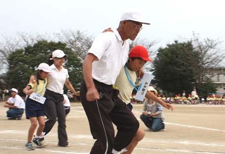 孫たちの運動会 スポーツの秋_b0114798_7194882.jpg