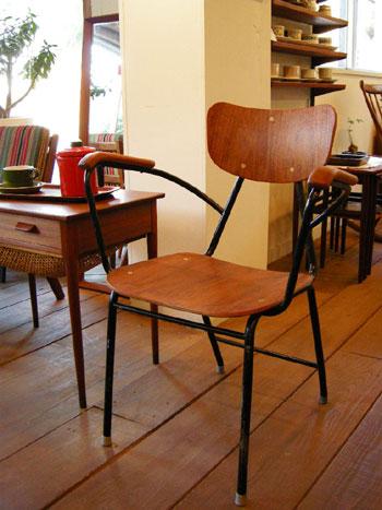 Chair (DENMARK)_c0139773_15195977.jpg