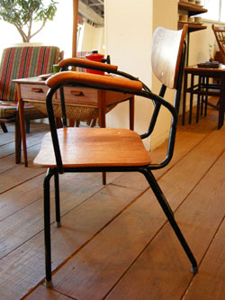 Chair (DENMARK)_c0139773_15202419.jpg